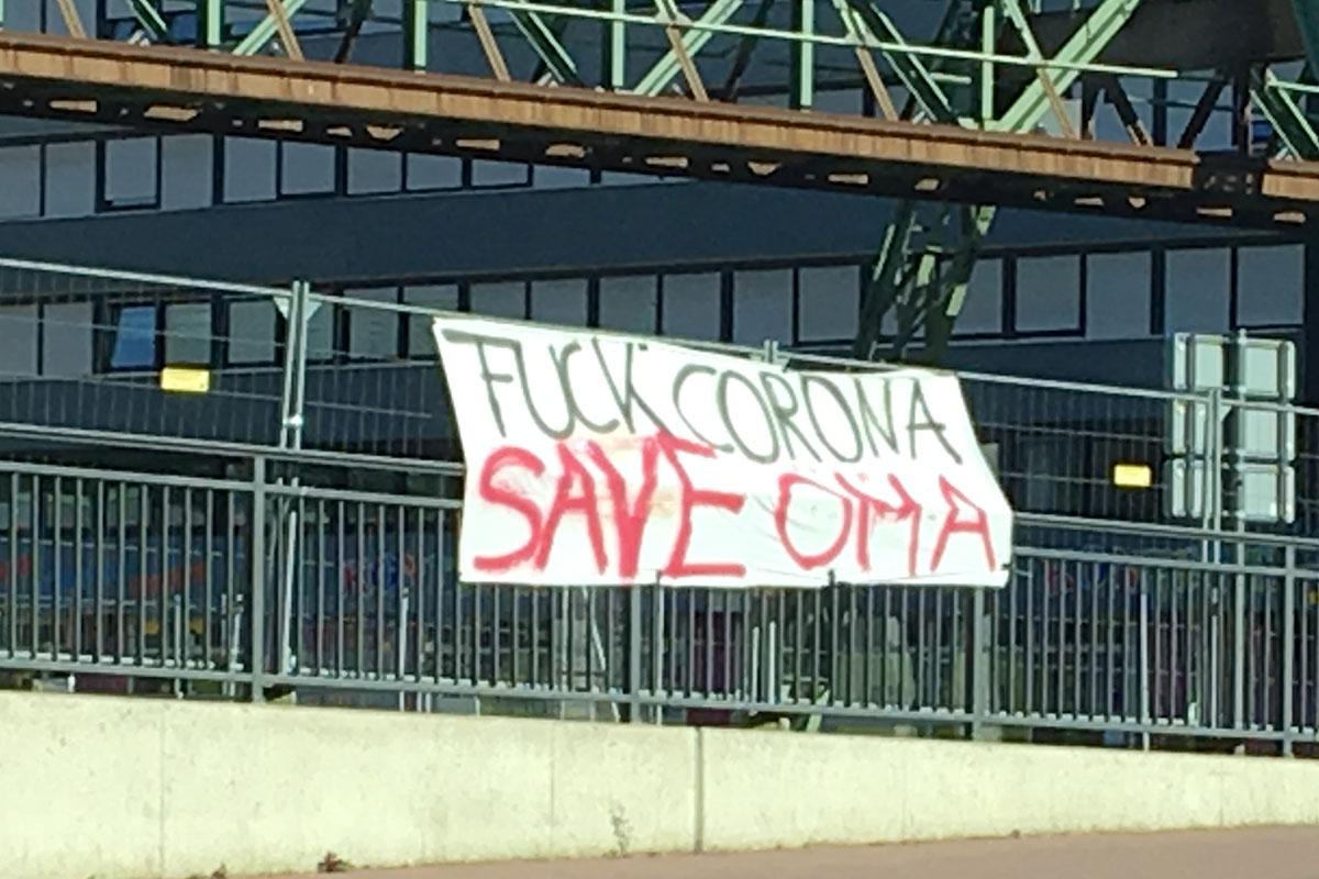 FuckCoronaSaveOma_Schoenbach